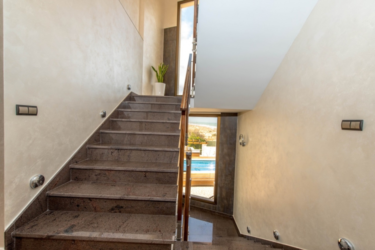 Resale - Villa / Semi detached - Torrevieja  - La Mata