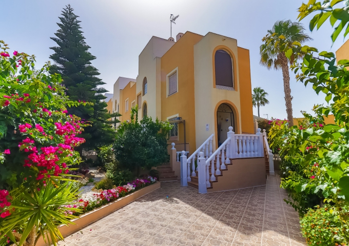 Villa / Semi detached - Resale - Torrevieja  - Torreblanca