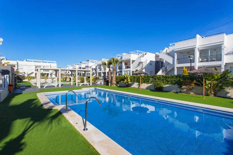 Resale - Apartment/Bungalow - Torrevieja  - Aguas Nuevas II